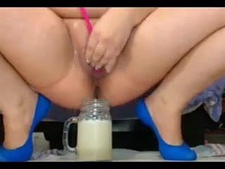 bbw preg squirts come into possession of differ added to drinks